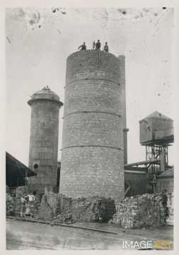 Construction d'une cheminée (Réhon)