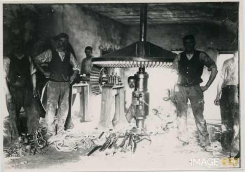 Équipe de mécaniciens (Réhon)