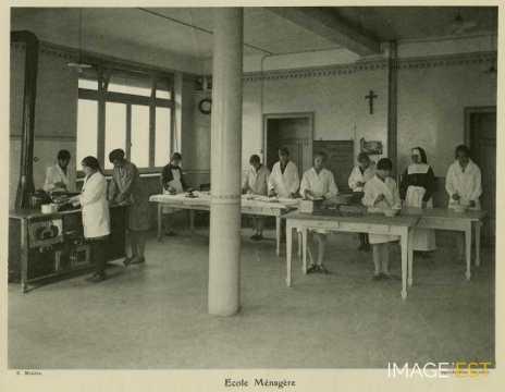 École ménagère (Réhon)