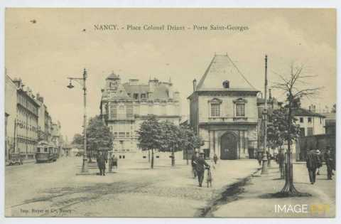 Place colonel Driant (Nancy)
