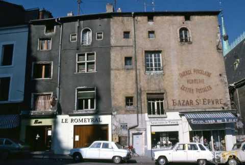 Magasins place Joseph Malval (Nancy)