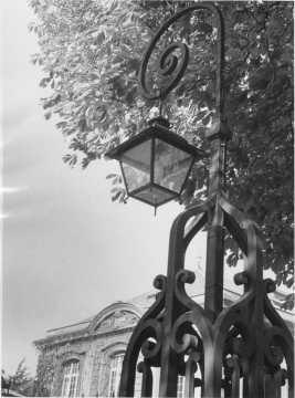 Réverbère d'un portail du Bureau central (Hayange)